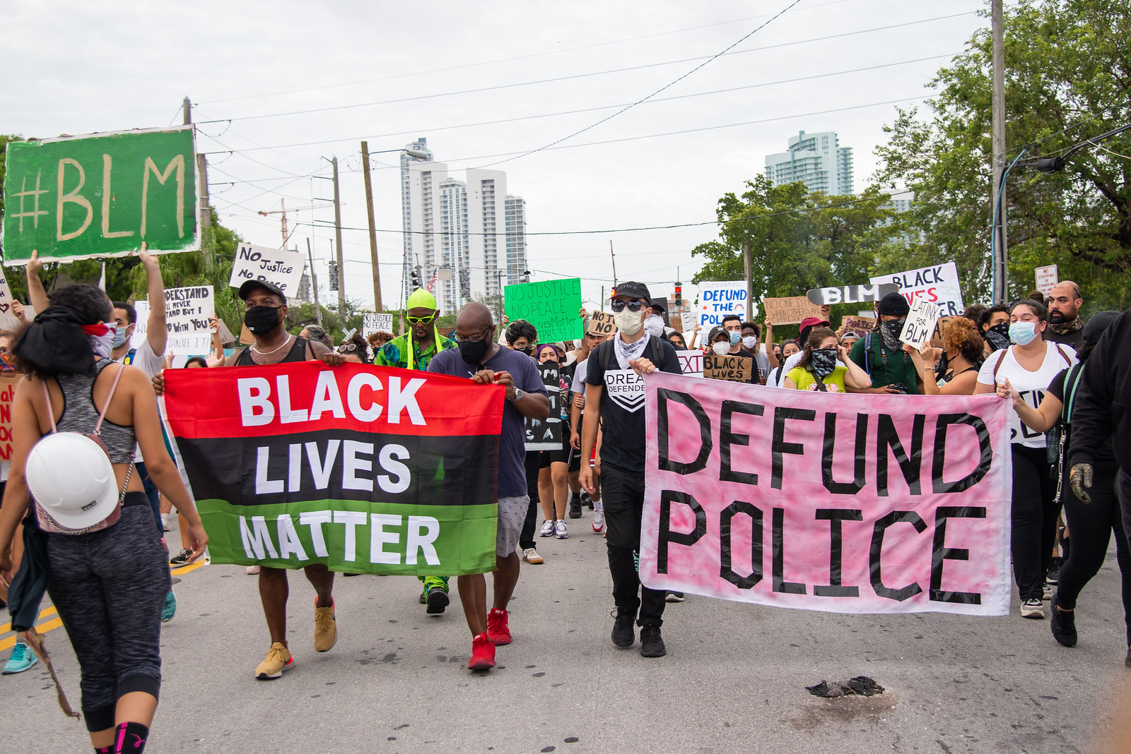 Defund the Police - Top 3 Pros and Cons - ProCon.org
